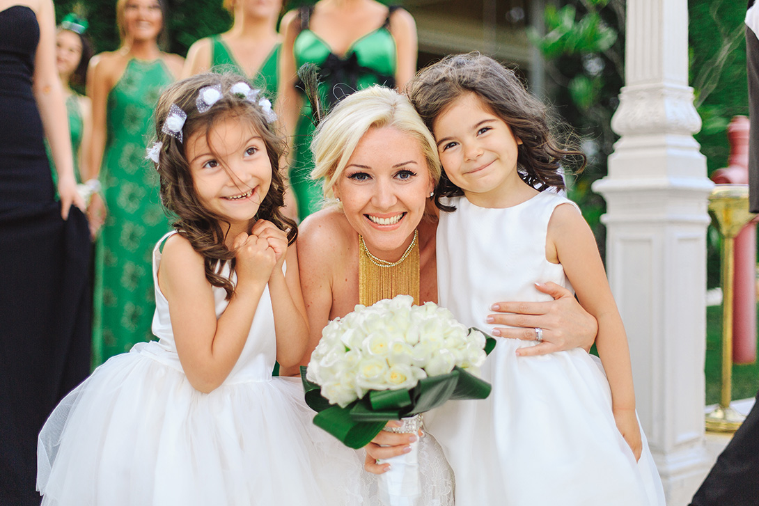 The little girls and the bride, bride and the kids